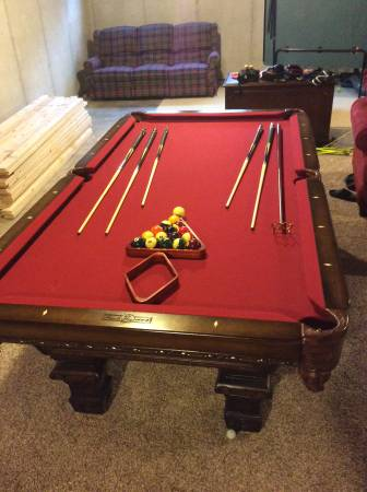 Solo Chesterfield Pool Table 101